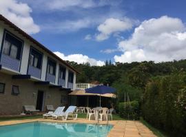 Bela e Aconchegante Casa em Itaipava, pet-friendly hotel in Petrópolis