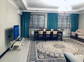Apartments on Aimanov street 360, hotel in Almaty