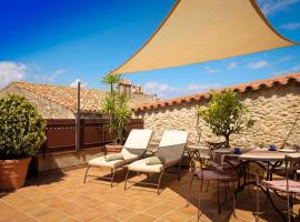 Can Felip Apartments, hotel in Palafrugell