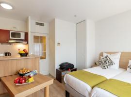 Zenitude Hôtel-Résidences Divonne Confort, hôtel à Divonne-les-Bains près de: Golf de Divonne-les-Bains