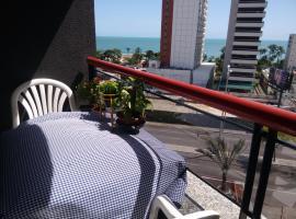 Espaço Cômodo, guest house in Fortaleza