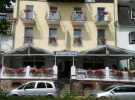 Hotel Zum Weissen Mohren, hotel near Eberbach Abbey, Walluf