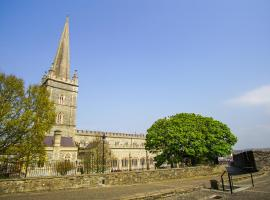The Church Wall Apartment, hotel near Guildhall, Derry Londonderry