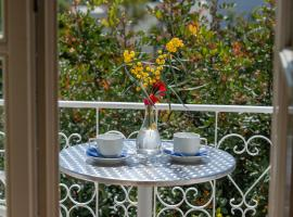 Mimoza, pet-friendly hotel in Spetses