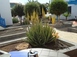 Apart.10A, hotel with pools in Caleta De Fuste