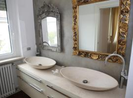 Champagne Rooms, affittacamere a Sirmione