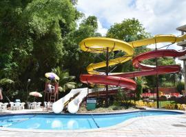 Flat no Golden Dolphin Grand Hotel Caldas Novas, hotel near Liberty Square, Caldas Novas