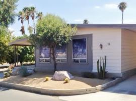 Roadrunner Club 76 Home, hotel in Borrego Springs