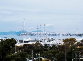 Seafront-Marina apartment, hotel in Athens