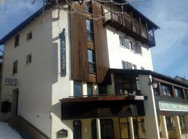 Auberge Roche Grande, hotel in Entraunes