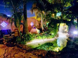 Hoosville Hostel (Formerly The Everglades Hostel), hostel in Florida City