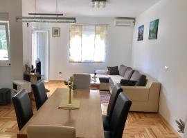 Apartmant Jela, budget hotel in Zaton