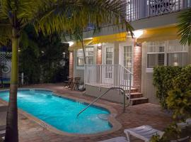 Coconut Inn, hotel near Treasure Island Golf Tennis Recreation Center, St Pete Beach