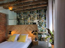 13 suites, guest house in León