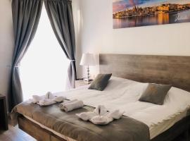 Napoli Suites, homestay in St. Julian's