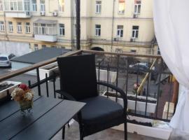 Апартаменты у Лидии в центре Киева возле ж/д вокзала, отель в Киеве, рядом находится Центральный вокзал Киев-Пассажирский