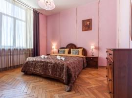 Музыка крыш, hotel near Vitebsky Train Station, Saint Petersburg