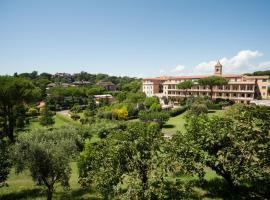 Mons Aureus Resort, villa in Rome