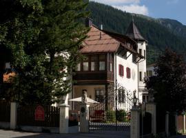 Das Bergschlössl - very special, hotel near Train Station Sankt Anton am Arlberg, Sankt Anton am Arlberg