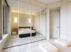 Duomo Luxury Apartment, luxury hotel in Milan