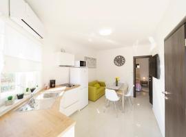 Apartment Carmen, budget hotel in Bibinje