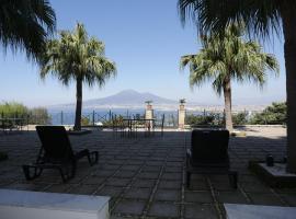 Poggio Miramare Luxury Home, villa in Castellammare di Stabia