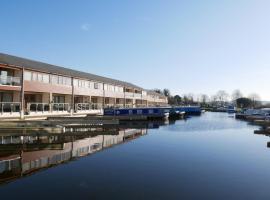 8 Swan House, hotel near Burton-in-Kendal Services M6, Carnforth