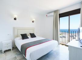 OYO Hotel El Ancla, hotel en Calahonda