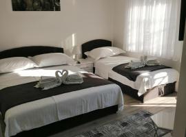 Apartman Ivan, hotel in Starigrad-Paklenica