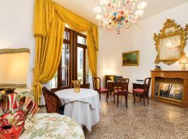 Luxury Venetian Rooms, budget hotel in Venice
