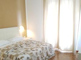 Crown Guest House, affittacamere a Pisa