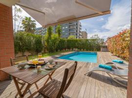 Sé Apartamentos - Casa da Encosta with Private Pool, quarto em acomodação popular em Braga