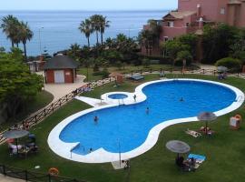 Piso de lujo en Primera linea de playa, hotel in Torrox Costa