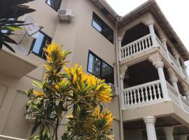 Ishmajoso Lodge, hotel in Freetown
