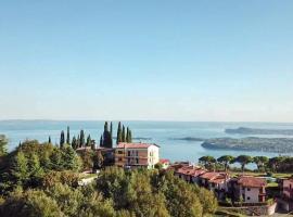 Hotel San Michele, hotel in Gardone Riviera