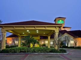 La Quinta by Wyndham USF (Near Busch Gardens), hotel in Tampa