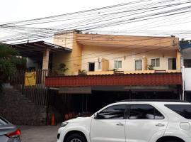Hotel Arbol de Sueños, hotel in San Salvador