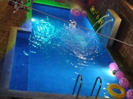 Ronnie's Private Pool Villa, hotel with pools in Mapusa