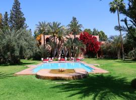 Dar Ayniwen Garden Hotel & Bird Zoo, hotel near PalmGolf Marrakech Palmeraie, Marrakesh