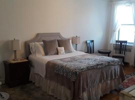 Best bedroom in uptown Manhattan, Inwood, New York., homestay di New York