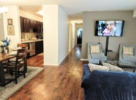 Inviting Condo in Central Raleigh, apartment in Raleigh