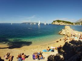 Makarska City Bay Studios, beach hotel in Makarska