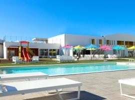 RIDE Surf Resort & Spa, hotel in Baleal