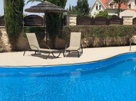 Blue Serenity, Pyla, Ferienunterkunft in Pyla