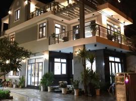 NGOC LANG HOTEL, khách sạn ở Bình Sum