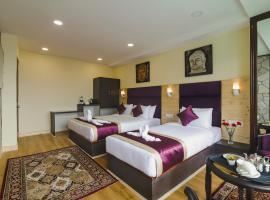 Sumitel Suites & Spa by Sumi Yashshree, hotel near Himalayan Mountaineering Institute And Zoological Park, Darjeeling