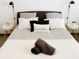 Appart Hôtel Cézanne, apartment in Aix-en-Provence