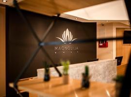 Hotel Magnolia, отель в Тивате