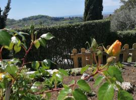 Da Adria al Corvenale - Casa Vacanze Carrara -, hotel in Carrara