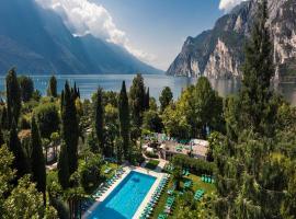 Du Lac Et Du Parc Grand Resort, hotel in Riva del Garda
